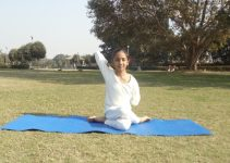 Gomukhasana in Hindi, steps, benefits, precaution